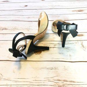 Pour La Victoire black & cream bow detail heels 6